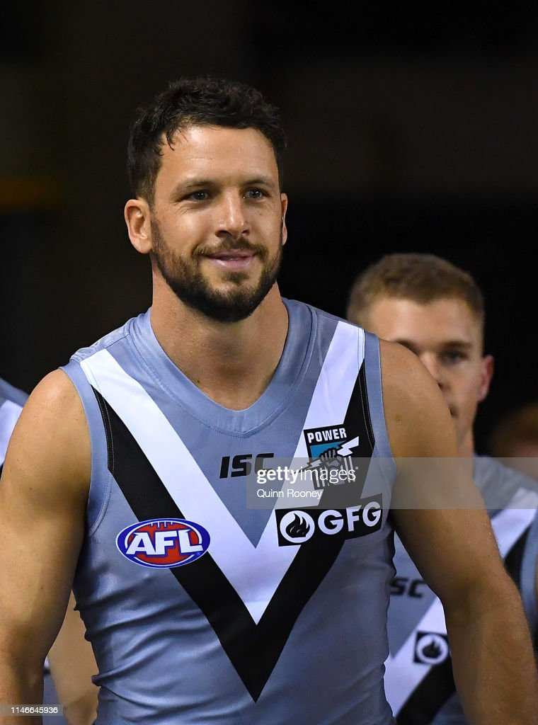 AFL Rd 7 - Collingwood v Port Adelaide : News Photo