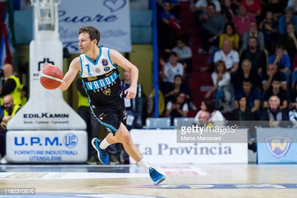 Travis Diener of Vanoli in action during the LBA LegaBasket of Serie A match between Vanoli Cremona and AX Armani Exchange Olimpia Milan at Pala Radi...