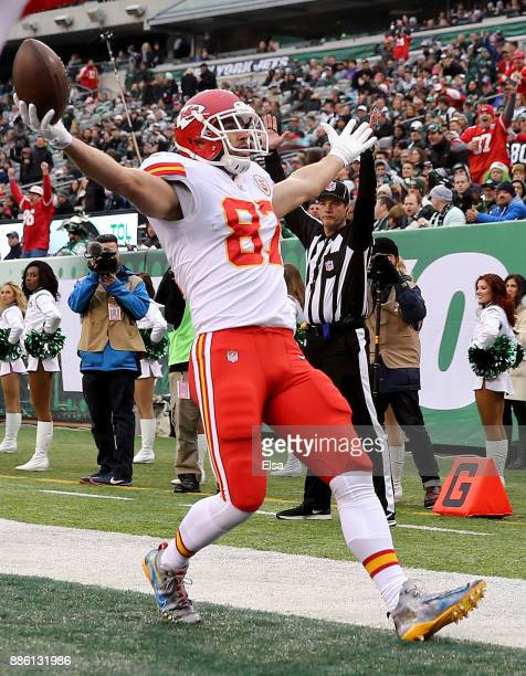 Travis Kelce of the Kansas City Chiefs celebrates his touchdown in the first quarter against the New York Jets on December 03 2017 at MetLife Stadium...