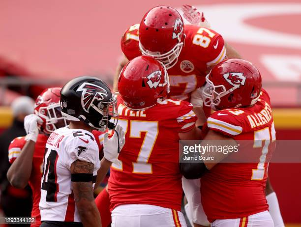 Travis Kelce of the Kansas City Chiefs celebrates his touchdown against the Atlanta Falcons during the second quarter at Arrowhead Stadium on...