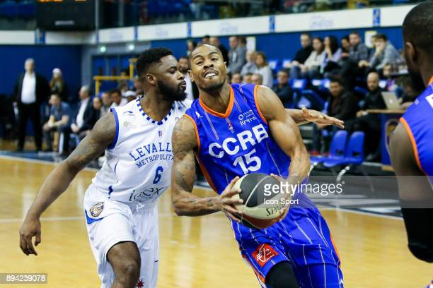 Travis Leslie of Levallois and Lamonte Ulmer of Chalons Reims during the Pro A match between Levallois and Chalons Reims at Salle Marcel Cerdan on...
