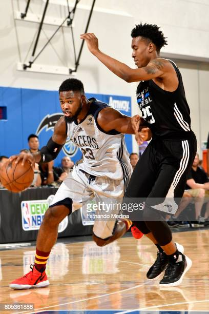 Travis Leslie of the Indiana Pacers drives to the basket during the game against the Orlando Magic during the 2017 Orlando Summer League on July 1...