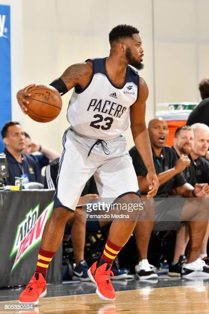 Travis Leslie of the Indiana Pacers handles the ball during the game against the Orlando Magic during the 2017 Orlando Summer League on July 1 2017...