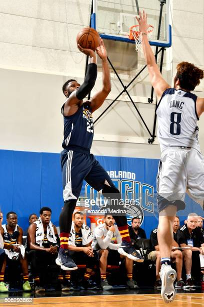 Travis Leslie of the Indiana Pacers shoots the ball during the game against the Dallas Mavericks during the 2017 Orlando Summer League on July 4 2017...