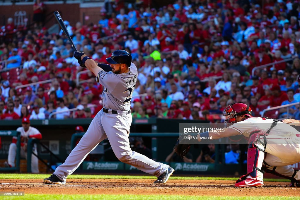 Travis Shaw #21 of the Milwaukee Brewers hits a two-run single against the St. Louis Cardinals in the third inning at Busch Stadium on September 30, 2017 in St. Louis, Missouri.