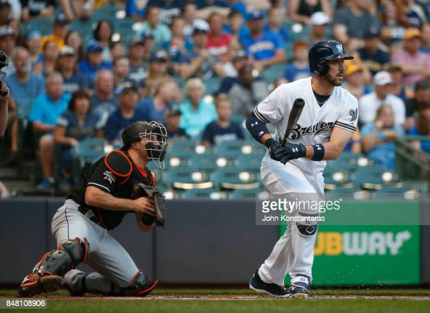 Travis Shaw of the Milwaukee Brewers hits an RBI single to score Hernan Perez during the first inning at Miller Park on September 16 2017 in...