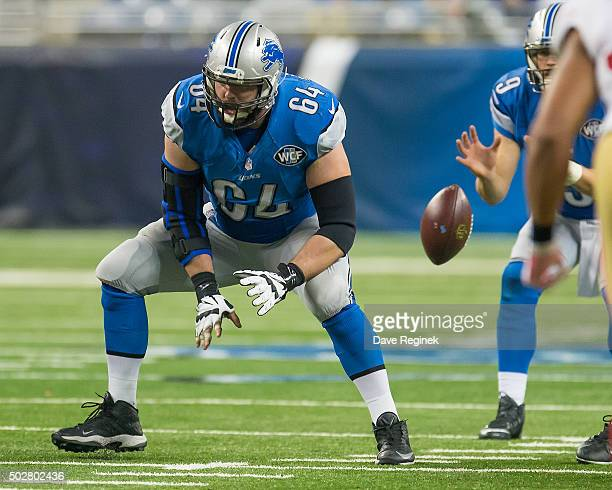 Travis Swanson of the Detroit Lions hikes the ball during an NFL game against the San Francisco 49ers at Ford Field on December 27, 2015 in Detroit,...