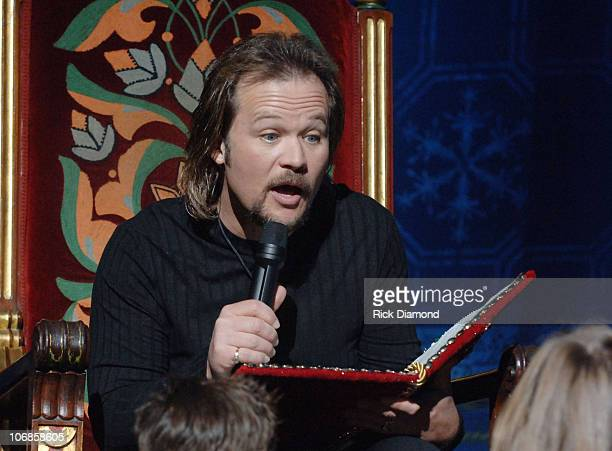 Travis Tritt during Travis Tritt Reads 'Twas the Night Before Christmas at The Rockettes Performance in Atlanta December 4 2005 at Fox Theater in...