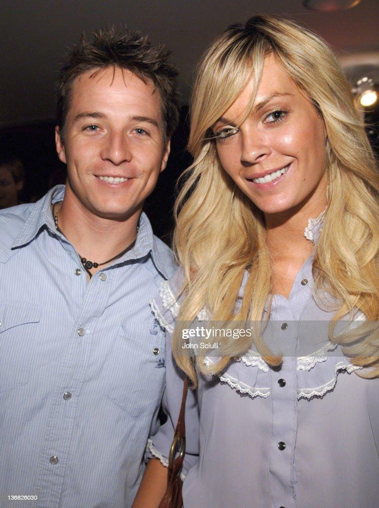 Ultimatebet.com, Kari Feinstein and Mike McGuiness Host Celebrity Poker