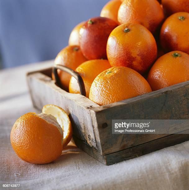 tray of oranges