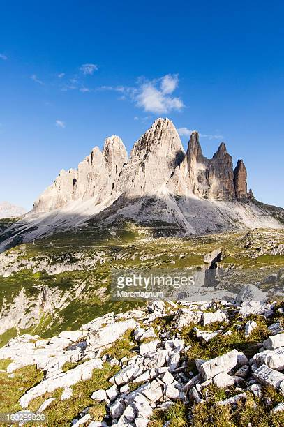 tre cime di lavaredo (drei zinnen) - トレチーメディラバレード ストックフォトと画像