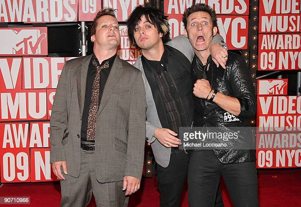 Tre Cool Billie Joe Armstrong and Mike Dirnt of Green Day arrive at the 2009 MTV Video Music Awards at Radio City Music Hall on September 13 2009 in...