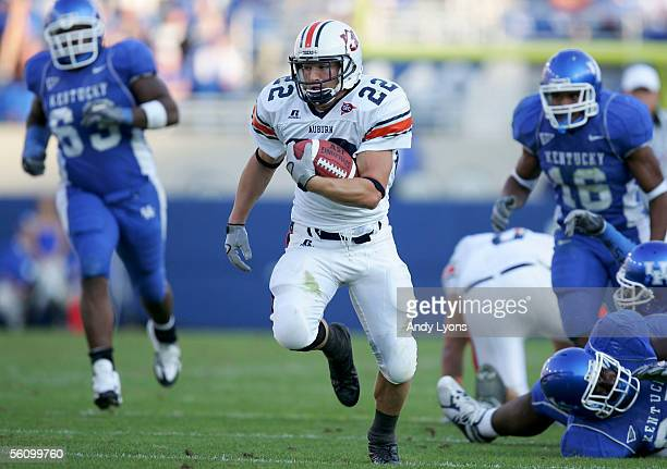 Tre Smith of the Auburn Tigers runs for a touchdown against the Kentucky Wildcats on November 5, 2005 at Commonwealth Stadium in Lexington, Kentucky.