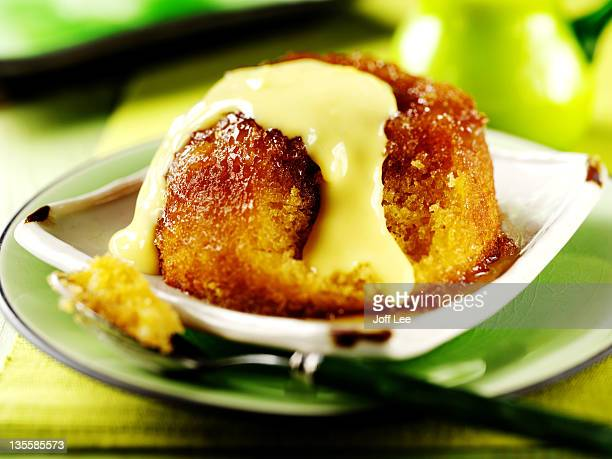Treacle pudding with custard
