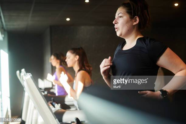 treadmill workout - large stock pictures, royalty-free photos & images