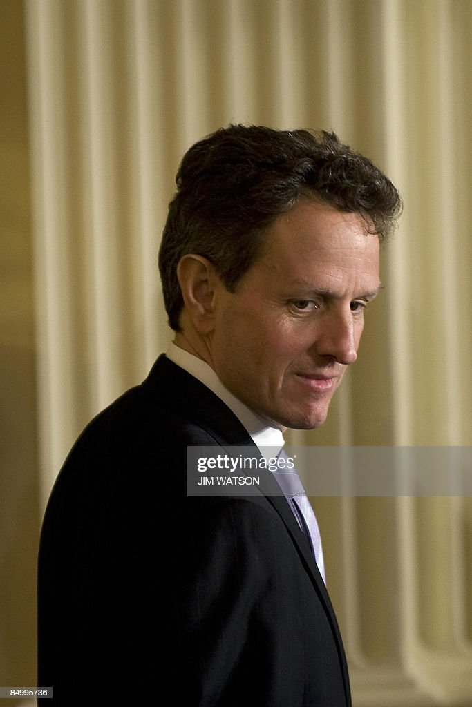 US Treasury Secretary Timothy Geithner arrives for the opening of the Fiscal Responsibility Summit at the White House in Washington, DC, February 23, 2009. AFP PHOTO/Jim WATSON