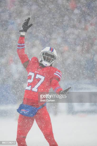 Tre'Davious White of the Buffalo Bills excites the crowd during the second quarter against the Indianapolis Colts at New Era Field on December 10...