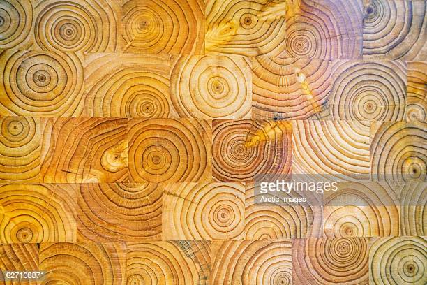Tree rings on wooden chopping board