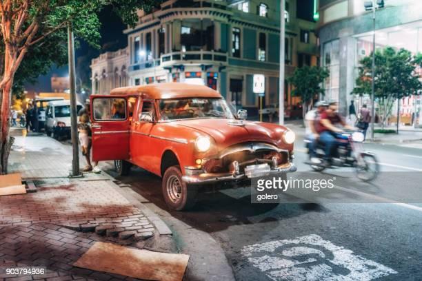 Treets von Santiago De Cuba in der Nacht