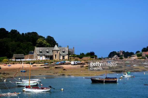 tregastel beach brittany france - cotes d'armor stock photos and pictures