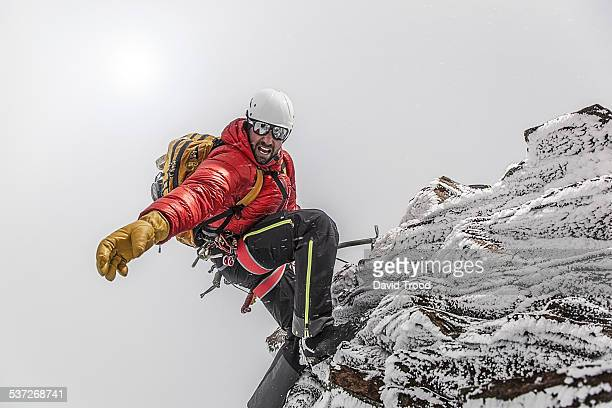 trekking in the austrian alps - mountaineering stock pictures, royalty-free photos & images