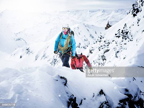 trekking in the austrian alps - anführen stock-fotos und bilder