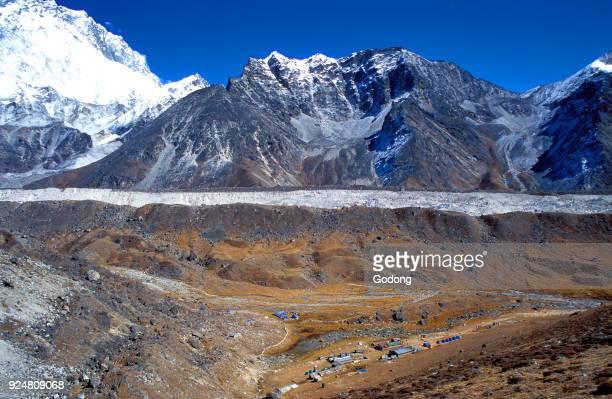 Trekking paths leading to Everest base camp Lobuche village and Ngozumpa glacier Solu Khumbu Nepal