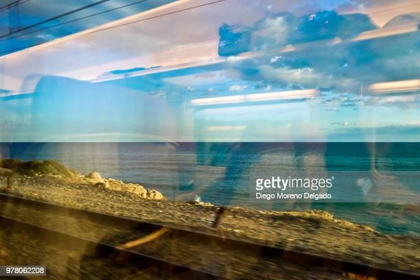 Tren, puesta de sol y mar  - Train, sunset and sea