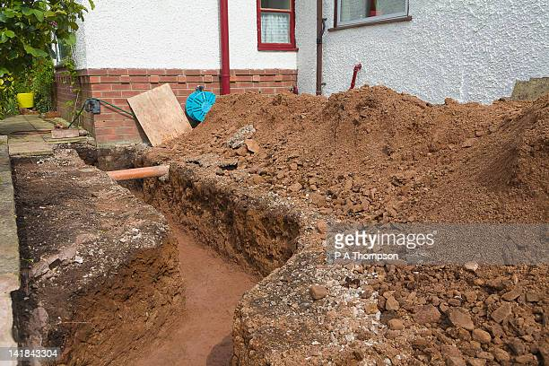 trench for footings on a house extension pr - arqueologia - fotografias e filmes do acervo