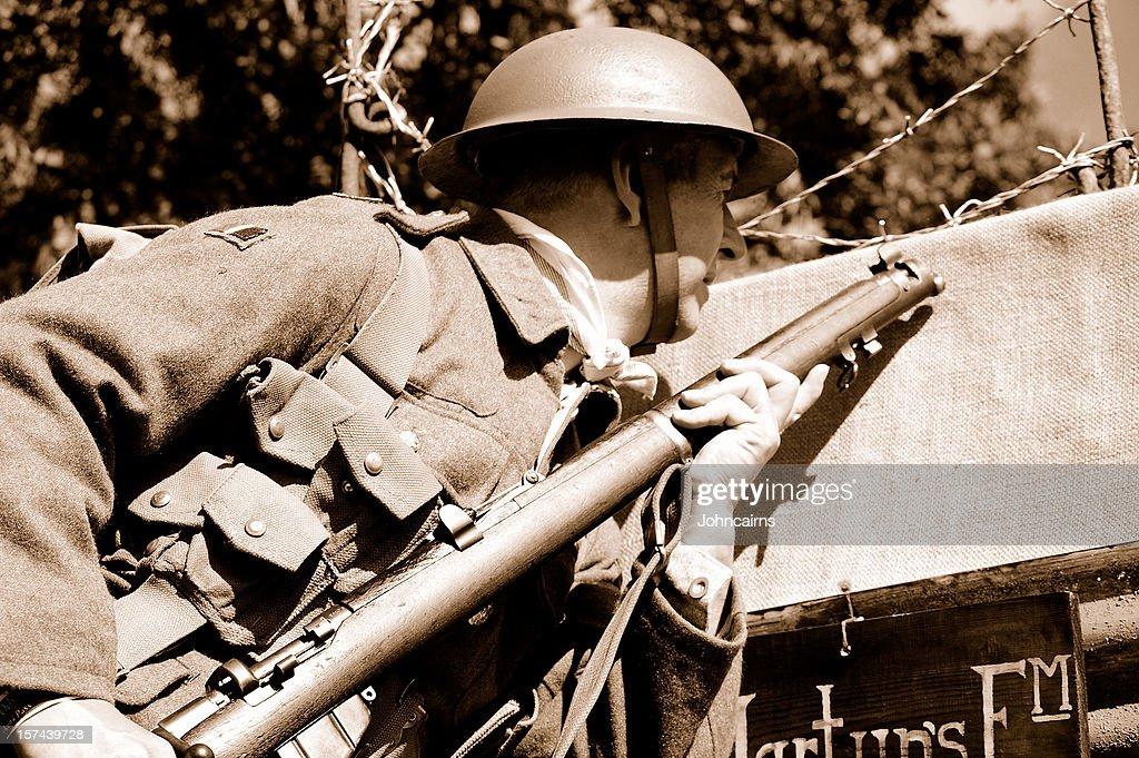 Soldat de la tranchée. : Photo