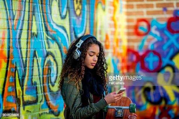 jeune fille à la mode - jeune fille noire photos et images de collection