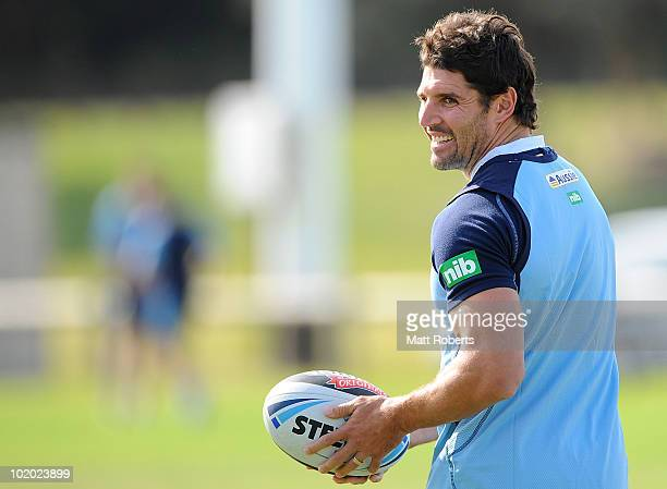 Trent Barrett of the Blues looks back to his team mate during a New South Wales Origin training session at Ned Byrne Oval on June 13 2010 in...