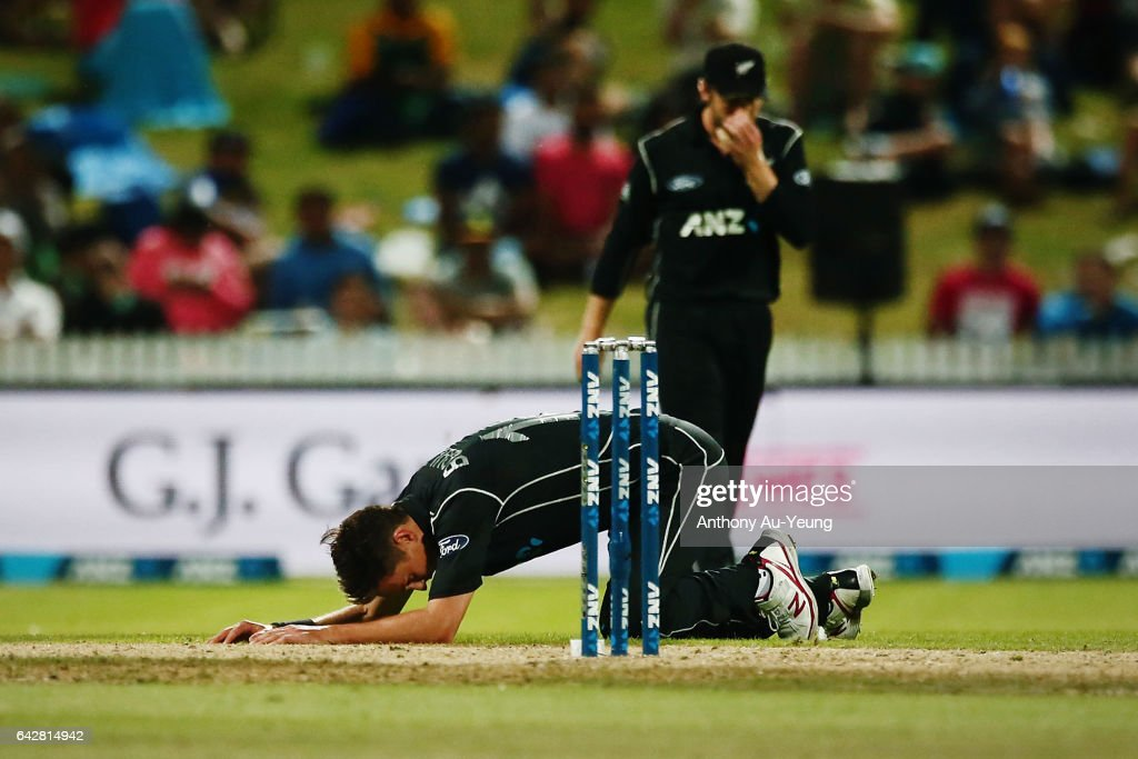 New Zealand v South Africa - 1st ODI : News Photo