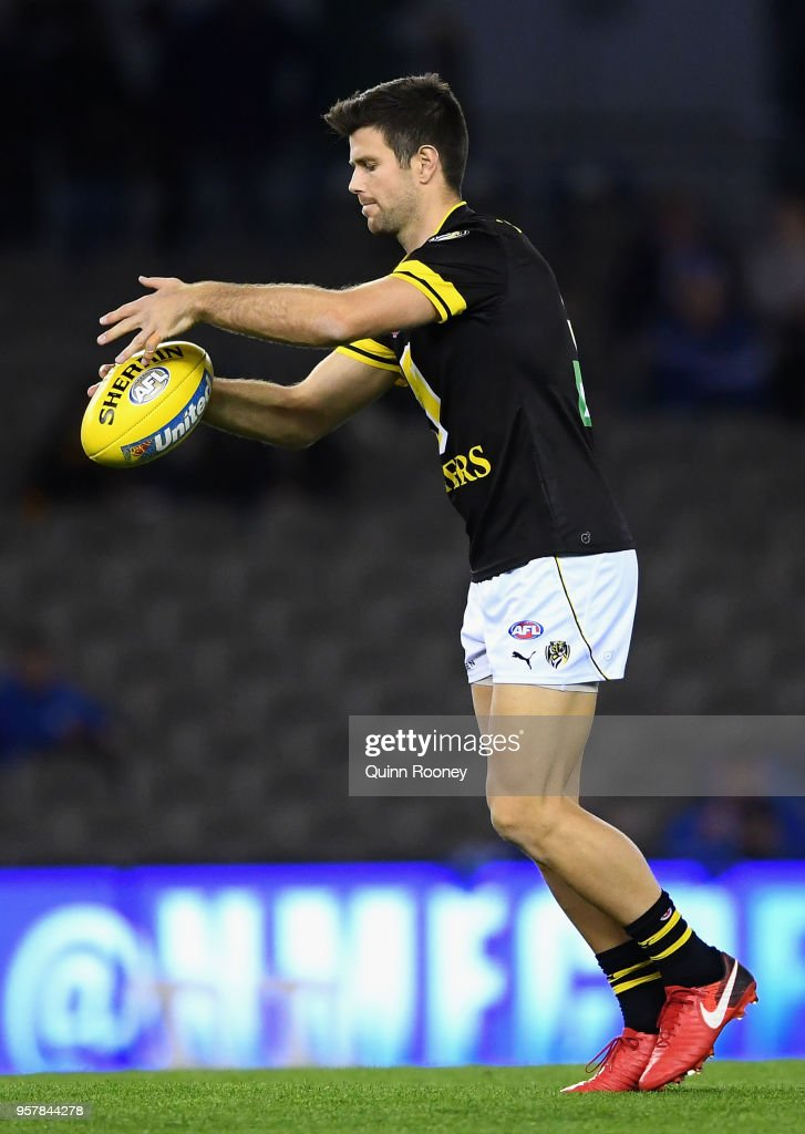 Trent Cotchin of the Tigers warms up during the round eight AFL match between the North Melbourne Kangaroos and the Richmond Tigers at Etihad Stadium on May 13, 2018 in Melbourne, Australia.