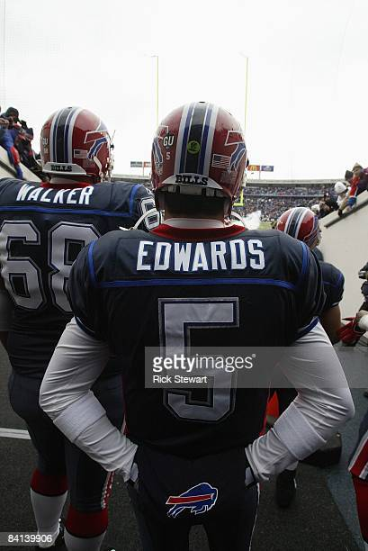Trent Edwards of the Buffalo Bills waits to walk on the field before the game against the New England Patriots on December 28 2008 at Ralph Wilson...