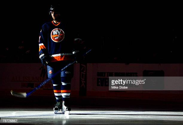 Trent Hunter of the New York Islanders is introduced prior to the game against the New Jersey Devils on March 27, 2007 at Nassau Coliseum in...