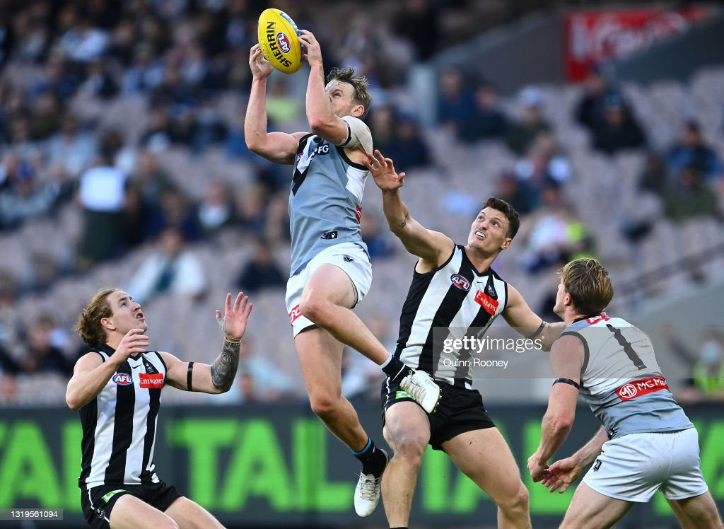 AFL Rd 10 - Collingwood v Port Adelaide : News Photo
