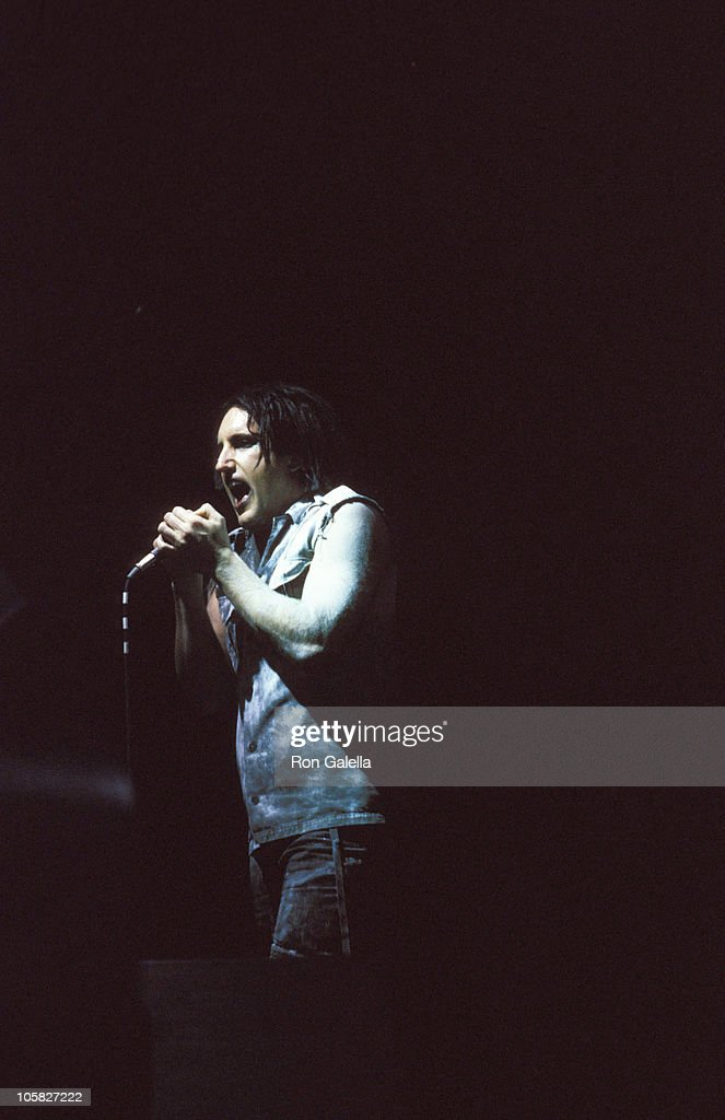 Nine Inch Nails in Concert - May 9, 2000 Photos and Images | Getty ...