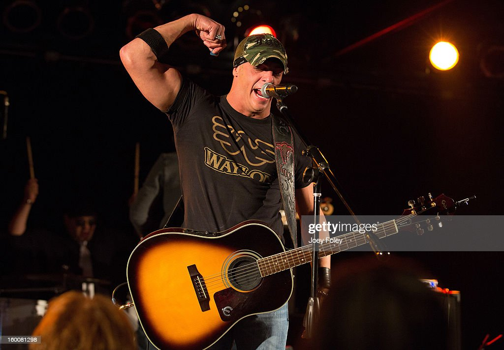 Trent Tomlinson performs in concert at 8 Second Saloon on January 25, 2013 in Indianapolis, Indiana.