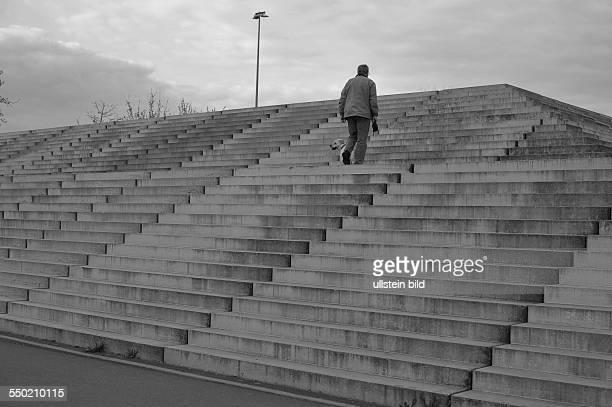Treppen zum Velodrom an der Landsberger Allee in BerlinPrenzlauer Berg