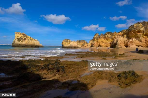 tres irmaos beach, portimao, alvor, algarve, portugal - paria canyon stock pictures, royalty-free photos & images