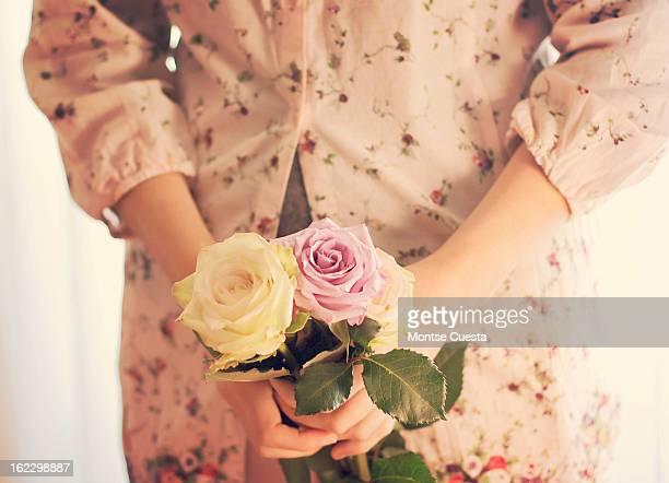 tres rosas - três pessoas stock pictures, royalty-free photos & images