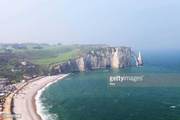 étretat (seine-maritime/ normandy/ france) - chalk rock stock pictures, royalty-free photos & images