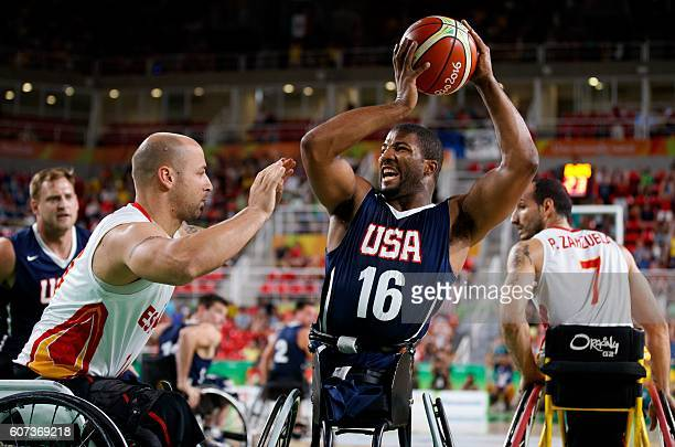 Trevon Jenifer USA controls the ball during the Men's - Gold Medal Match Wheelchair Basketball against Spain in the Rio Olympic Arena during the...