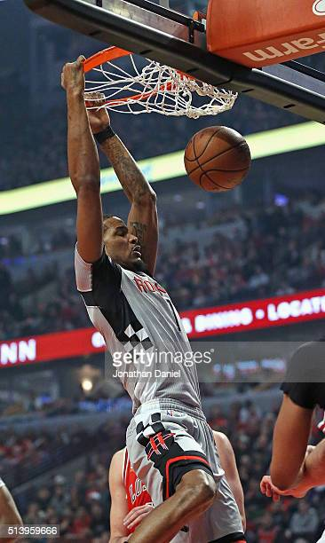 Trevor Ariza of the Houston Rockets dunks against the Chicago Bulls at the United Center on March 5 2016 in Chicago Illinois NOTE TO USER User...