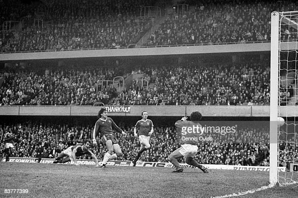 Trevor Aylott of Chelsea beats Nottingham Forest goalkeeper Peter Shilton to score the only goal of the match at Stamford Bridge London 5th November...
