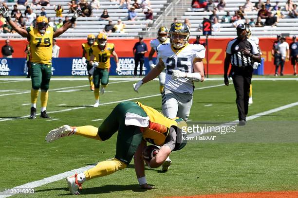 Trevor Knight of the Arizona Hotshots dives for a rushing touchdown against the San Diego Fleet during the first half of the Alliance of American...
