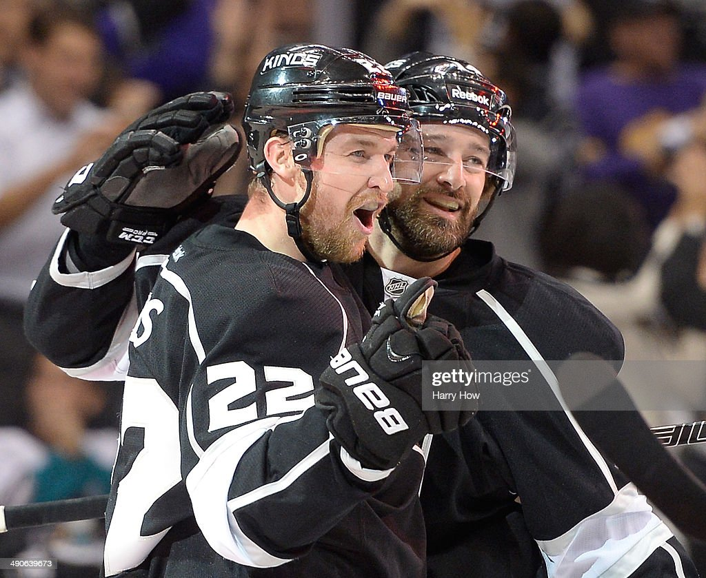 Anaheim Ducks v Los Angeles Kings - Game Six : News Photo