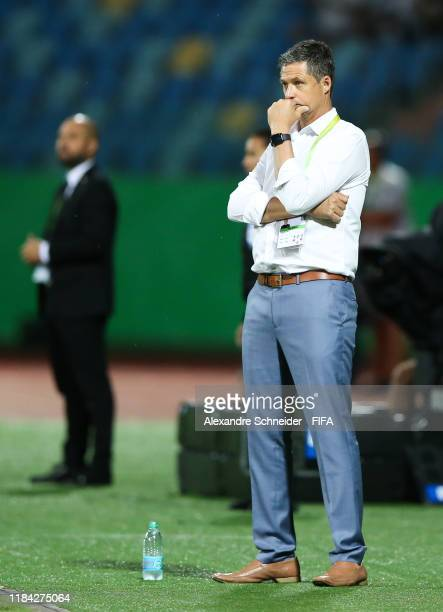 Trevor Morgan, headcoach of Australia looks on during the match against Hungary for the FIFA U-17 World Cup Brazil 2019 on October 29, 2019 in...