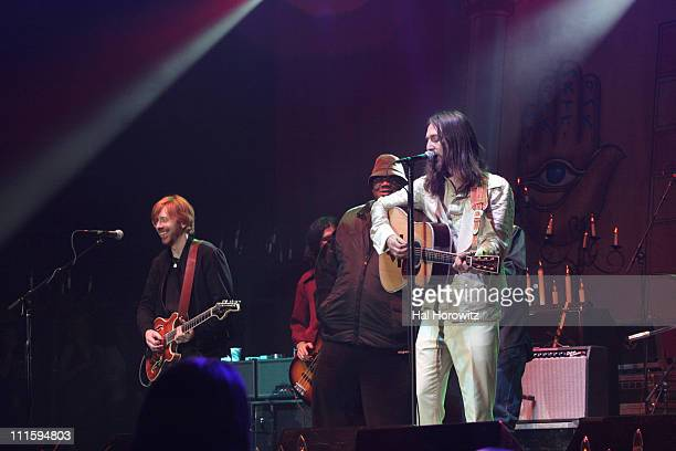 Trey Anastasio and members of the North Mississippi Allstars Jam with The Black Crowes at Madison Square Garden on New Year's Eve 2006